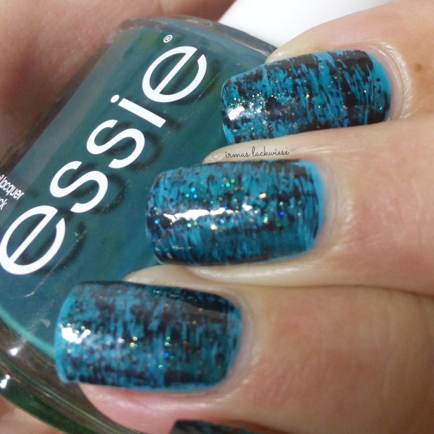 distressed nails - blue teal (13)