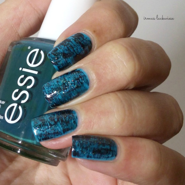 distressed nails - blue teal (5)