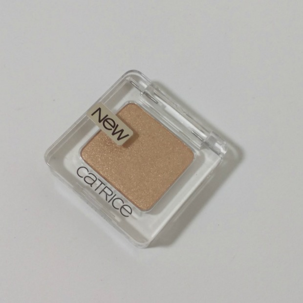 catrice absolute eye colour - gold out! (1)