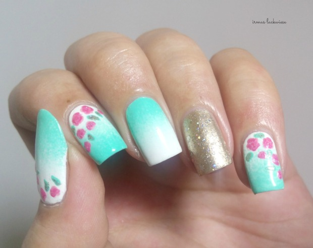 nailart mint milk with gradient gold and roses (4)