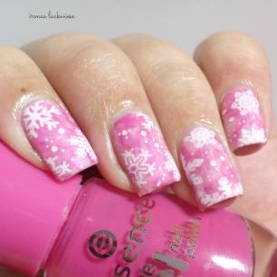 pink smoky nails (13) + moyou snowflake stamping