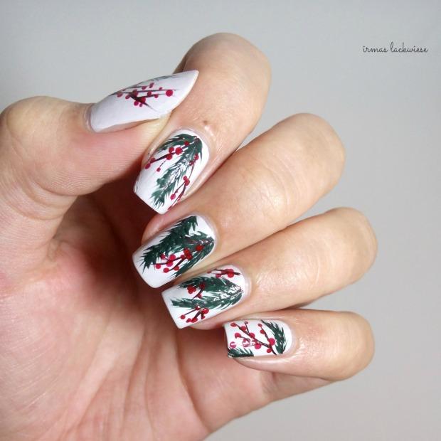 winter nail art mistletoe - (3)