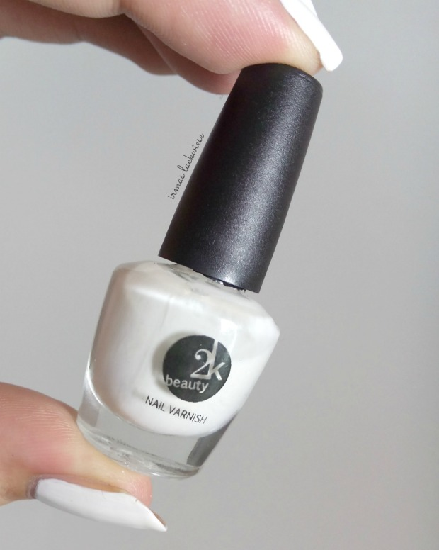 beauty2k white + water marble nail art with essence (2)