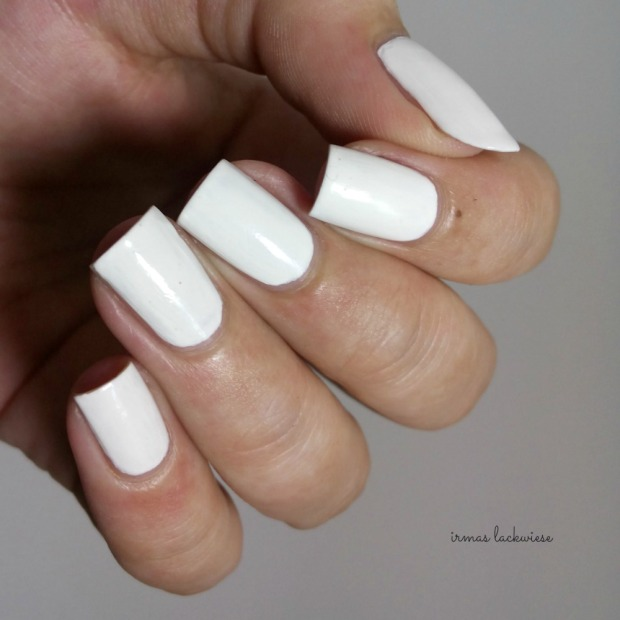 beauty2k white + water marble nail art with essence (3)