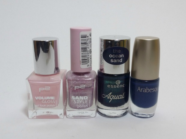 negative space - cut out nail art pink and blue (1)