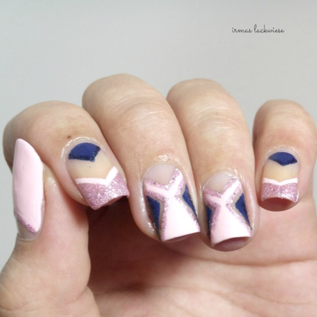 negative space - cut out nail art pink and blue (7)