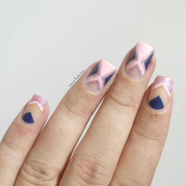 negative space - cut out nail art pink and blue (9)