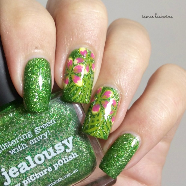 picture polish jealousy + reverse stamping moyou flower (3)