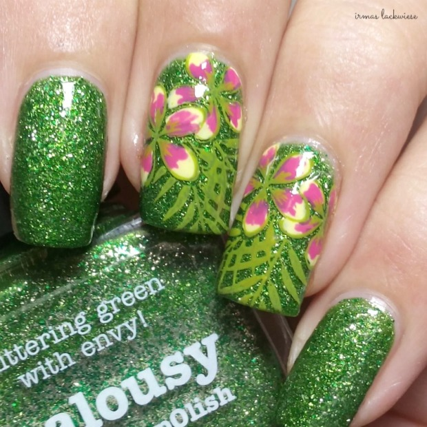 picture polish jealousy + reverse stamping moyou flower (4)