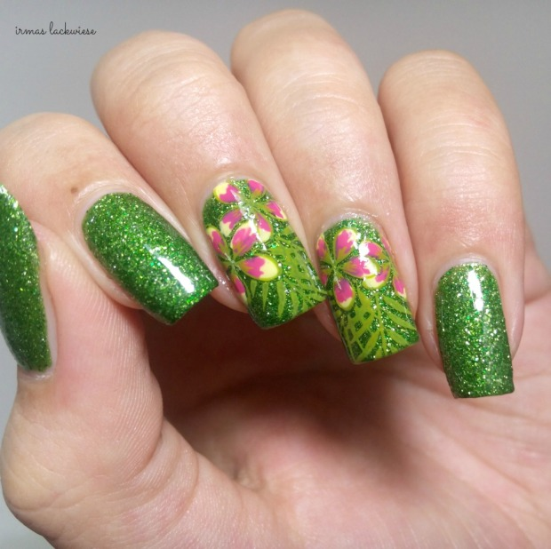 picture polish jealousy + reverse stamping moyou flower (6)