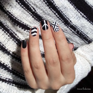 black and white nail wraps (6)