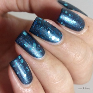 Butter London Blue Coat + essence glorious aquarius(14)