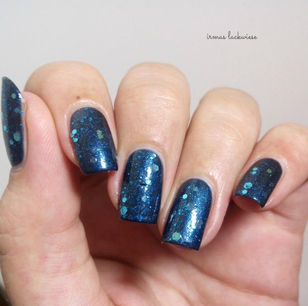 Butter London Blue Coat + essence glorious aquarius(8)