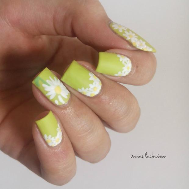 essence dont be shy + nailart daisies (10)