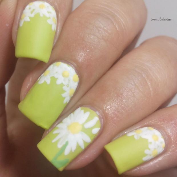 essence dont be shy + nailart daisies (12)