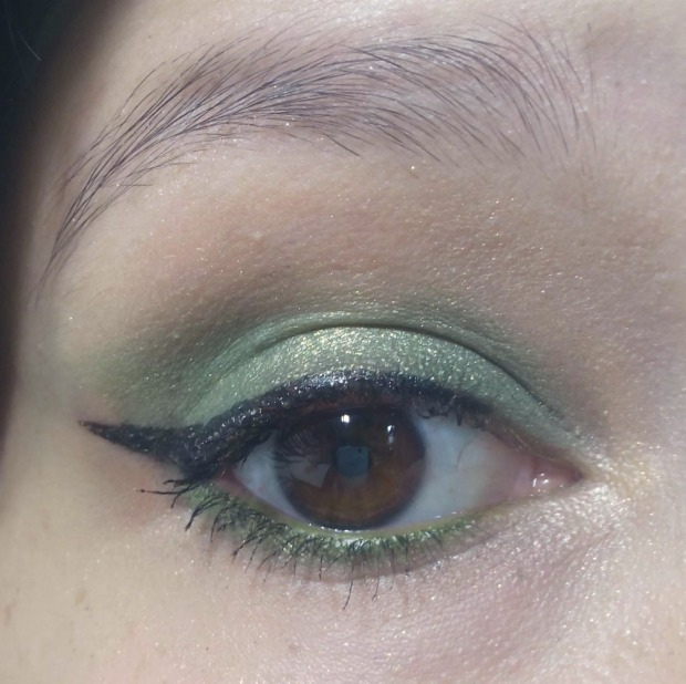 eye make up green (1)