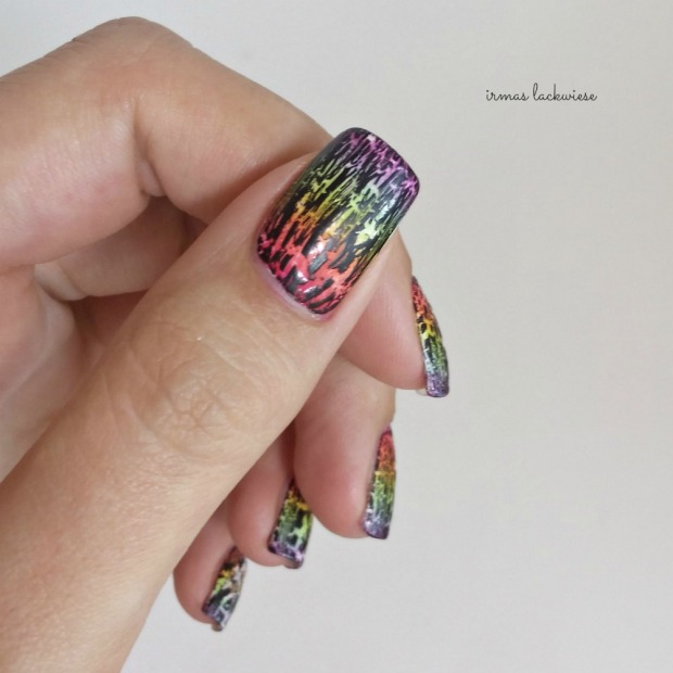 rainbow gradient nails + essence black crackle finish top coat (8)