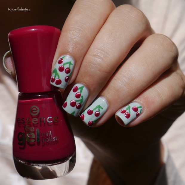 essence make up your mint + cherry nailart (11)