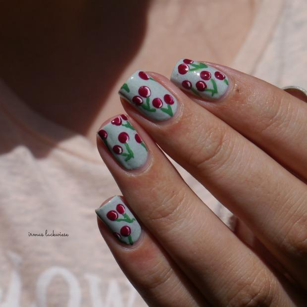 essence make up your mint + cherry nailart (12)