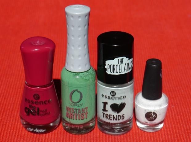 essence make up your mint + cherry nailart (15)