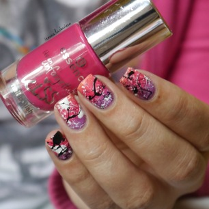 essence nothing but lovestoned + gradient + splatter nails(9)