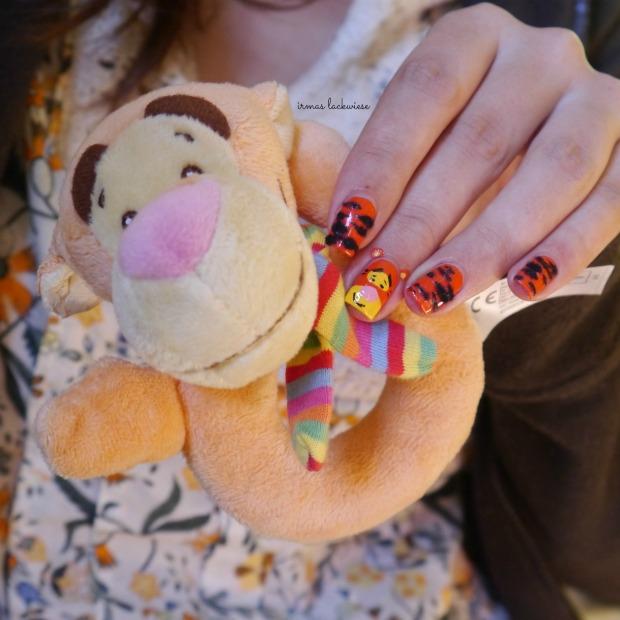 uma freaky orange + tigger nailart - winnieh pooh(8)