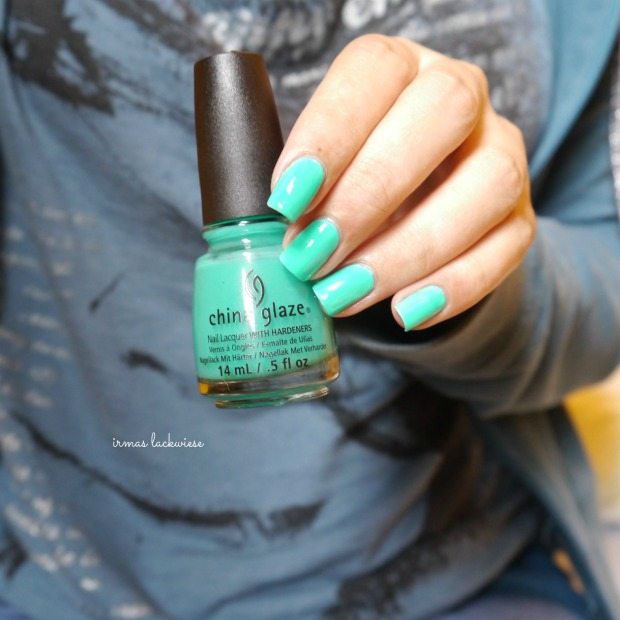 china glaze keepin it teal (1)