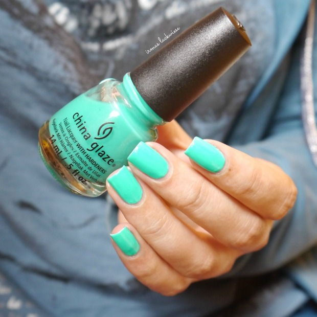 china glaze keepin it teal (2)