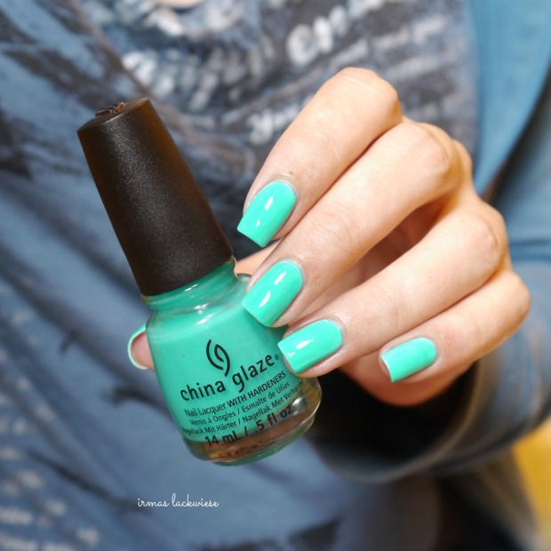 china glaze keepin it teal (3)