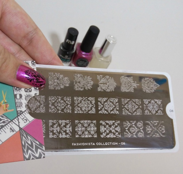 il était un vernis under the pink + moyou fashionista stamping(9)