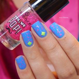 beauty2k middle blue + essence yes we pop bubble gum(10)