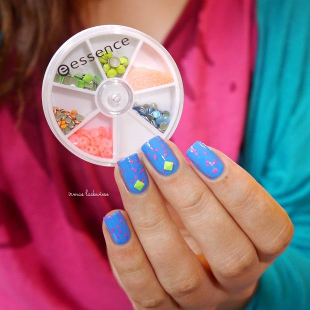 beauty2k middle blue + essence yes we pop bubble gum(11)