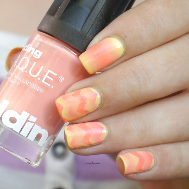 essence-love-is-in-the-air-returning-reciprocal-chevron-gradient-10