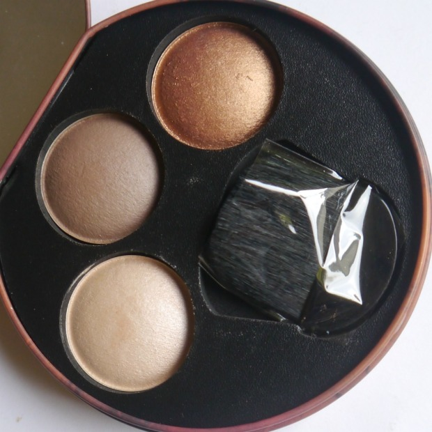 w7-sun-glow-foundation-highlighter-4