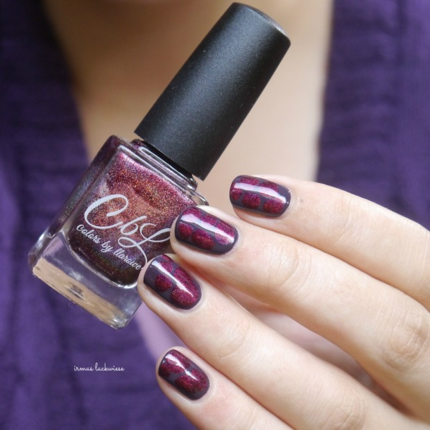 essence-merry-berry-holo-blobbicure-10