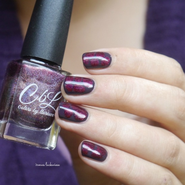 essence-merry-berry-holo-blobbicure-11