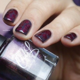 essence-merry-berry-holo-blobbicure-13