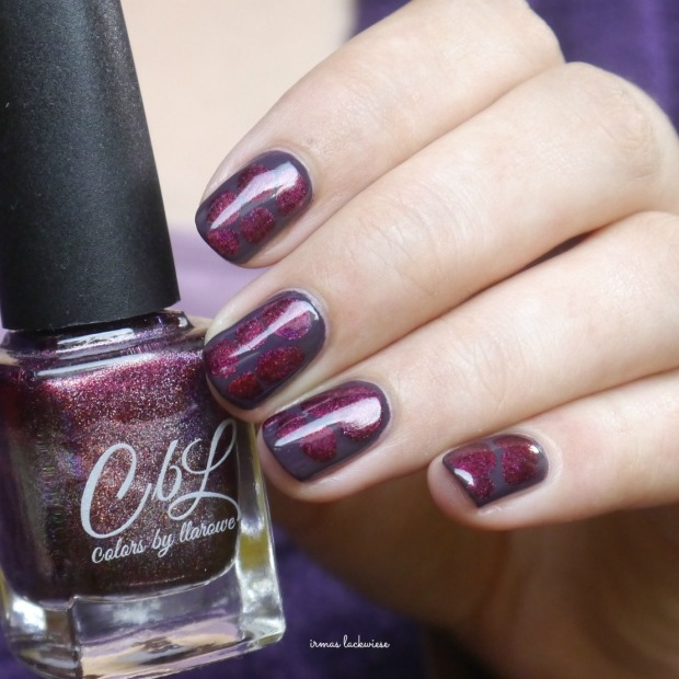 essence-merry-berry-holo-blobbicure-9
