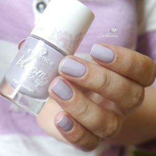 essence-lovely-lavender-1