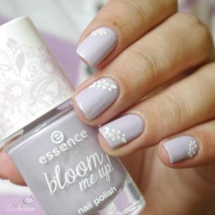 essence-lovely-lavender-5