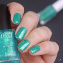 essie ruffles and feathers + kiko pearly green butterfly (6)