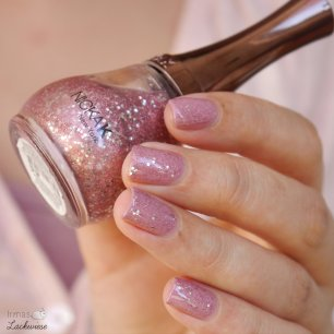 essence live, love, laugh! (5) + nicka k pink glitter
