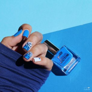 blue gradient nailart (5)